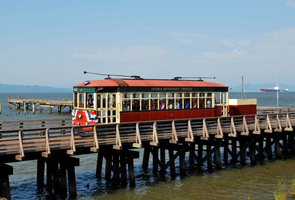 astoria-oregon-trolley