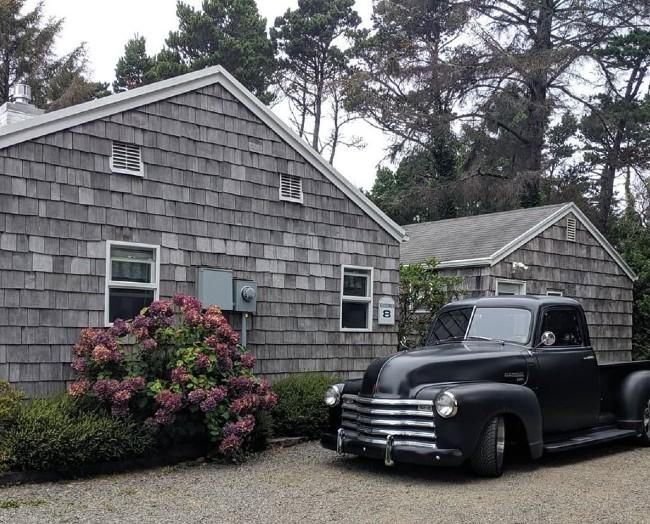klipsan beach cottages classic truck