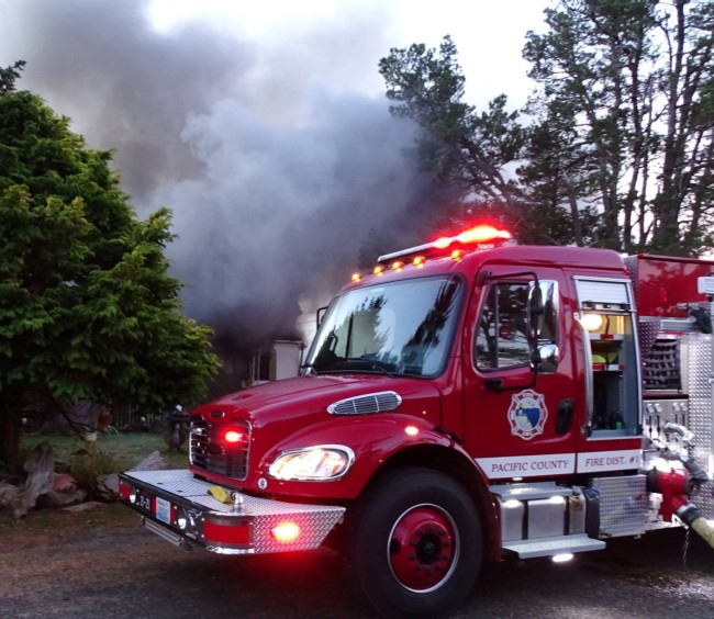 pacific county fire district 1truck smoke