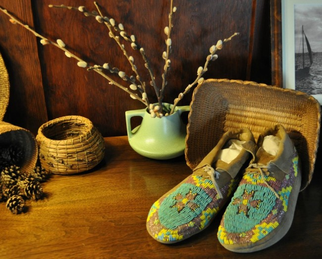 the-george-johnson-house slippers